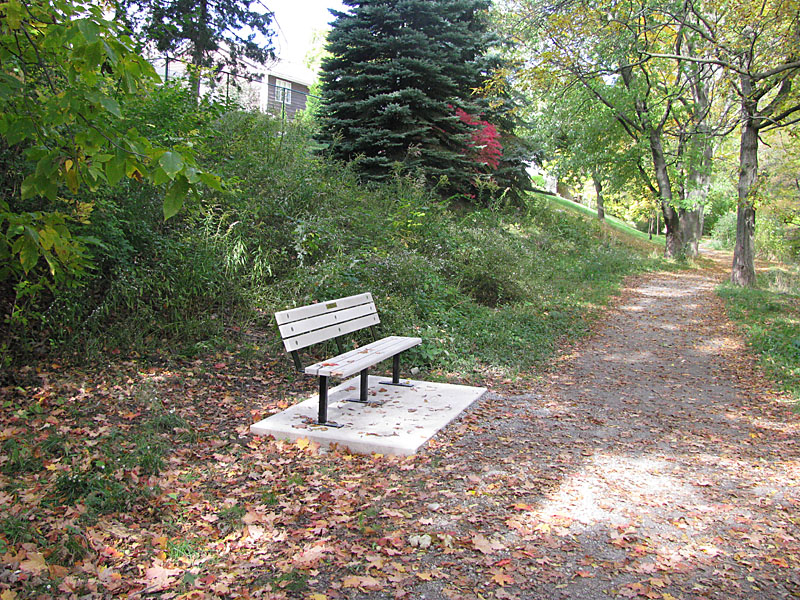 bench_installed_oct_2010_003-800x600